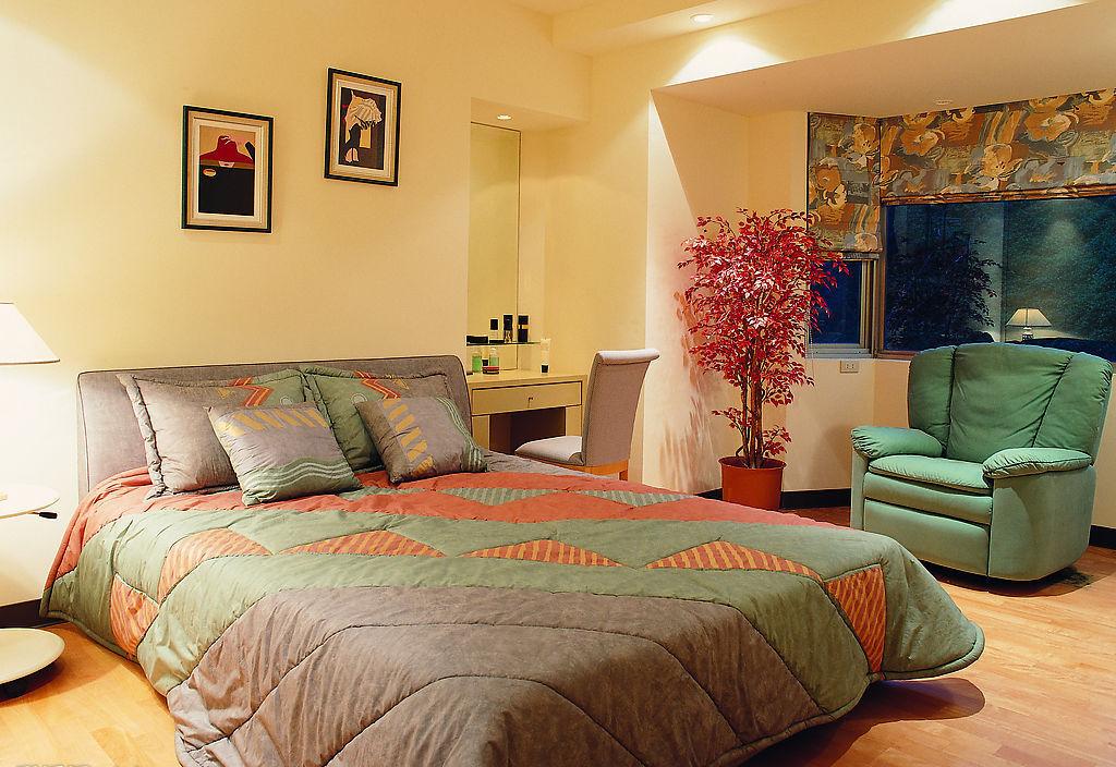 卧室壁纸效果图暖色系